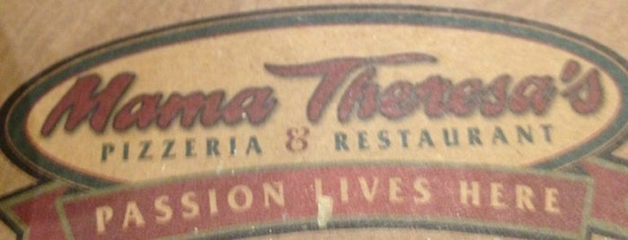 Mama Theresa's Pizzeria & Restaurant is one of Locais curtidos por Alida.