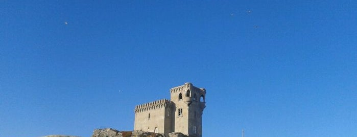 Castillo de Santa Catalina is one of Discover Tarifa.