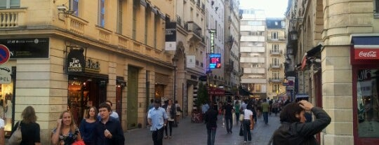 Rue Caumartin is one of Lugares favoritos de Greg.