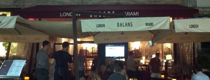 Balans Restaurant & Bar is one of Lincoln Road Mall Must List.