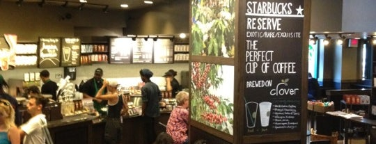 Starbucks is one of Lieux qui ont plu à Jason.