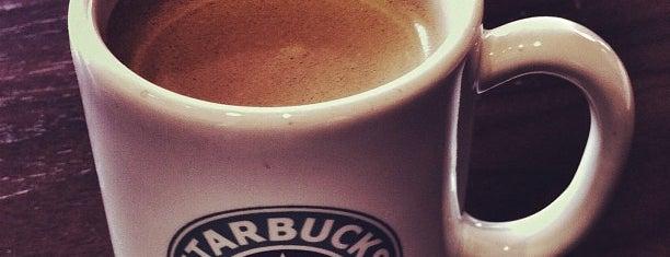 Starbucks is one of Tempat yang Disukai Luis.
