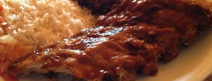 La Casita de la Loma is one of comida.