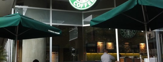 Starbucks is one of Pablo 님이 좋아한 장소.