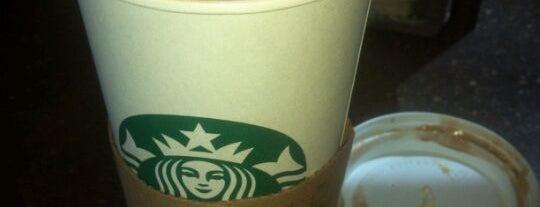 Starbucks is one of Orte, die Sirus gefallen.