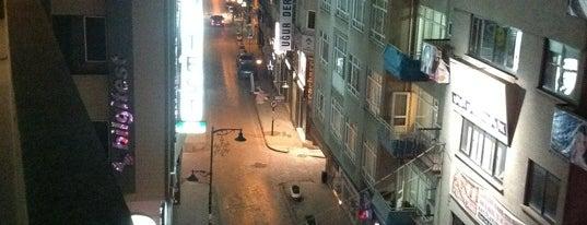 Gazi Caddesi is one of Başka yer vardı da biz mi gitmedik :).