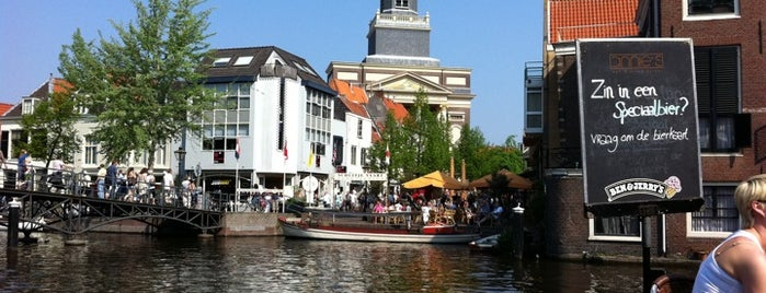 Annie's is one of Leiden.