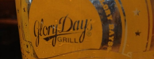 Glory Days Grill is one of Tempat yang Disukai David.