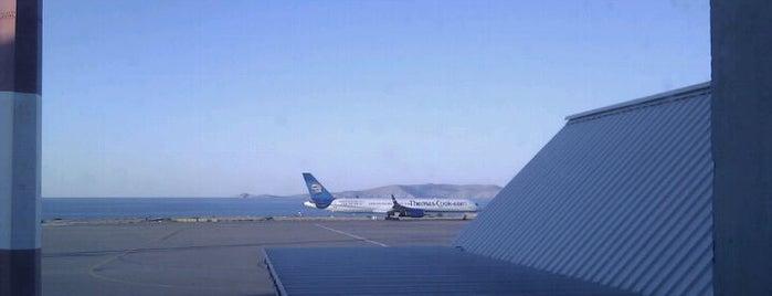 Heraklion International Airport Nikos Kazantzakis (HER) is one of Aeroportos.