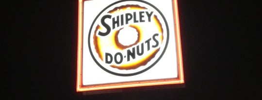 Shipley's Donuts is one of Locais curtidos por Daniel.