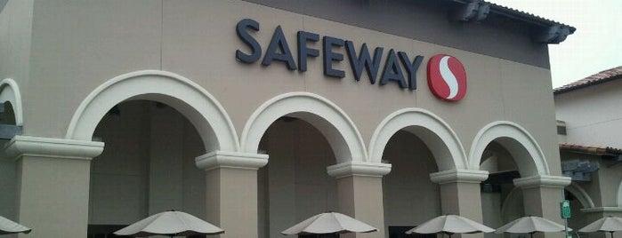 Safeway is one of Locais curtidos por Abdulrahman.