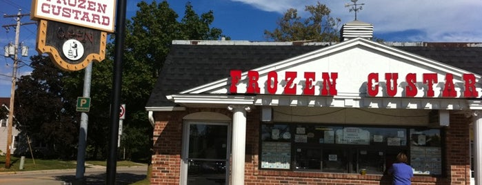 Adrian's Frozen Custard is one of Loriさんの保存済みスポット.