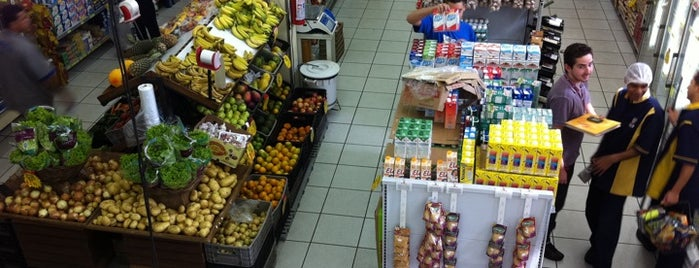 Supermercado Bonanza is one of Cledson #timbetalab SDV : понравившиеся места.
