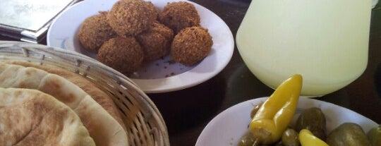 The Lebanese Restaurant is one of สถานที่ที่ Дина ถูกใจ.