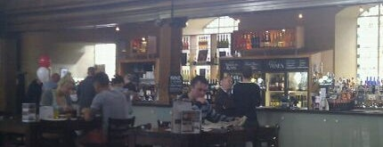 George's Meeting House  (Wetherspoon) is one of Carlさんのお気に入りスポット.