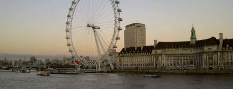 The London Eye is one of UK.