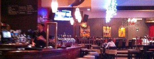 Oscars Bar is one of Les bars de Steph G..