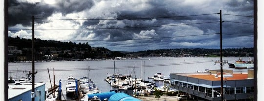 Silver Cloud Inn Seattle - Lake Union is one of Lugares favoritos de Nadia.