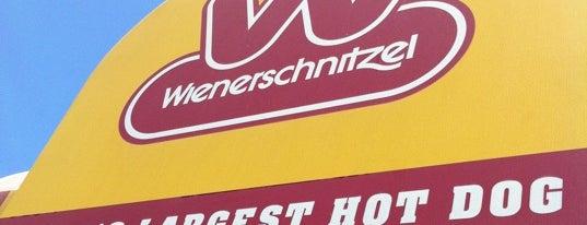 Wienerschnitzel is one of Gespeicherte Orte von Carlos.