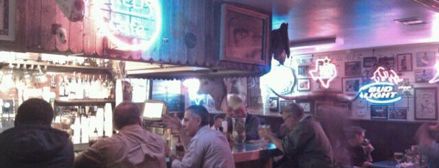 Fred's Texas Cafes is one of Explore W. 7th St.