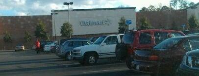 Walmart Supercenter is one of Posti che sono piaciuti a TracyJ.