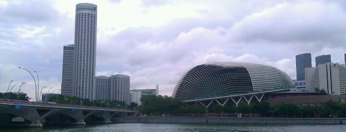 Esplanade - Theatres On The Bay is one of My Singapore Trip'12.
