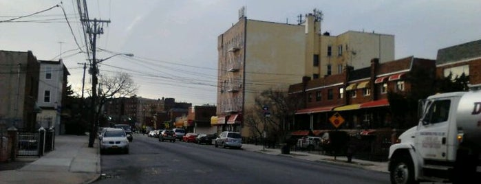 Wakefield is one of Bronx & Manhattan Neighborhoods.