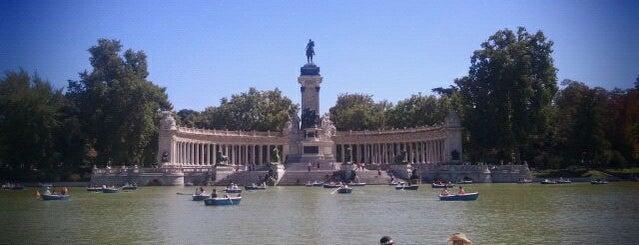 Parque del Retiro is one of Que visitar en Madrid.