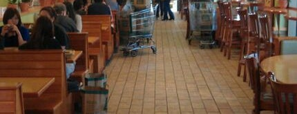 Whole Foods Market is one of Tempat yang Disimpan Rob.