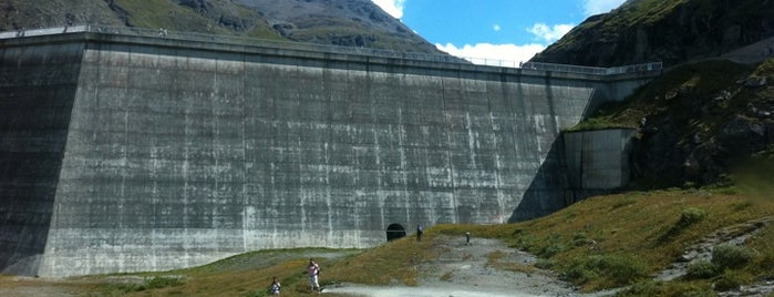 Barrage de la grande Dixence is one of What to do in Switzerland.