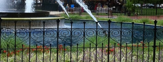 Franklin Square is one of Badge of Brotherly Love #visitUS.