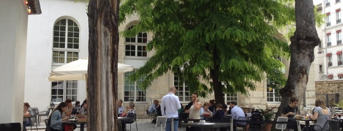 Café A is one of Lieux pour diner ou event.