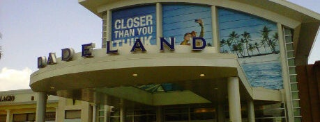 Dadeland Mall is one of Miami - To Visit.