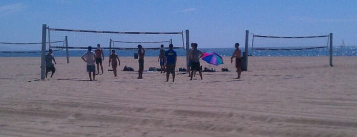 Will Roger State Beach Volleyball Courts is one of Locais curtidos por Paul.