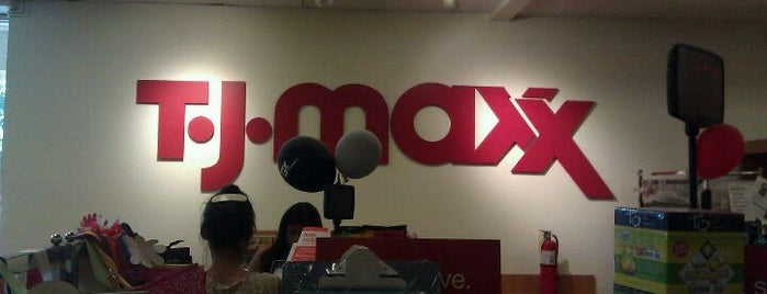 T.J. Maxx is one of Lieux qui ont plu à Jstar.