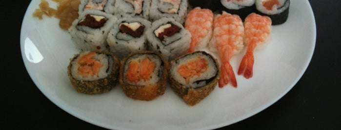 Asian Food is one of Lugares favoritos de Lenice Madeira.