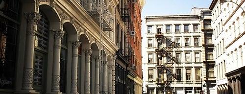 SoHo is one of Manhattan Neighbohoods.