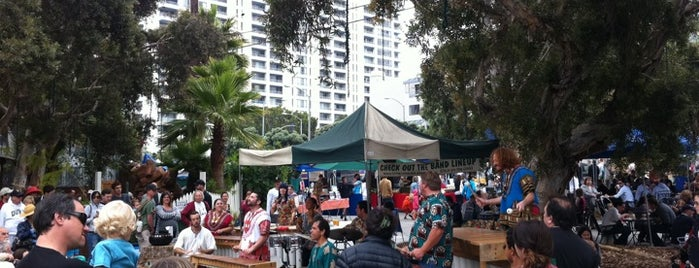 Santa Monica Farmers Market - Sunday is one of Venice / Santa Monica Eats.