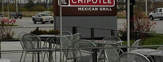Chipotle Mexican Grill is one of Fly me to the moon.