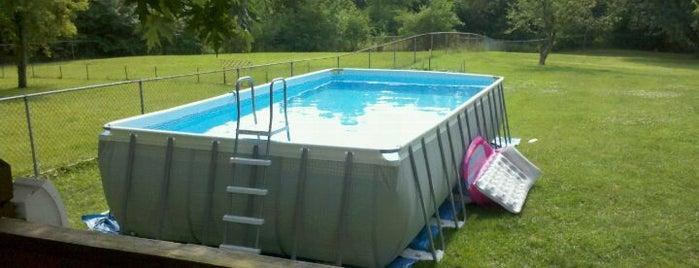 Tim's Pool & Spas is one of Orte, die Bob gefallen.