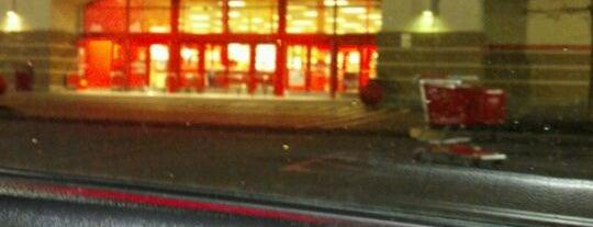 Target is one of สถานที่ที่บันทึกไว้ของ Nicholas.