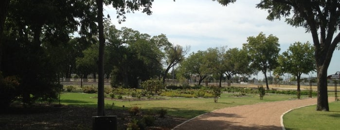 Farmers Branch Bird Park is one of Places to go.