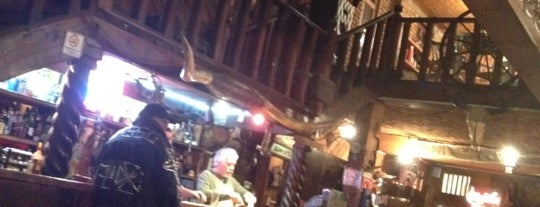 Saloon Bar is one of Edwardさんの保存済みスポット.