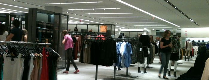 Zara is one of Shopping Park Europeu.