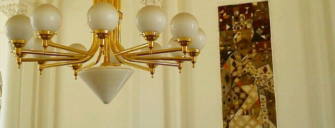 Windsor Spa Hotel | Lázně III is one of nicola'nın Kaydettiği Mekanlar.