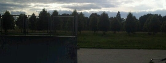 Skateparkje Emmen is one of สถานที่ที่ Yana ถูกใจ.