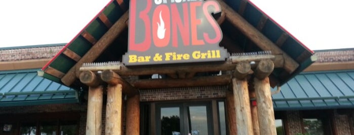 Smokey Bones Bar & Fire Grill is one of Boca Raton.