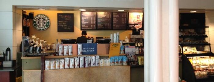Starbucks is one of Odele 님이 좋아한 장소.