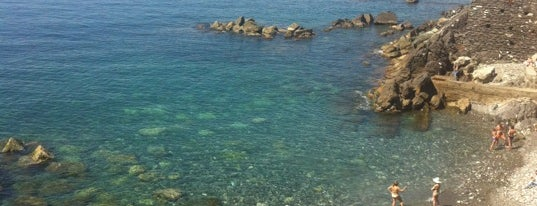 Spiaggia di Murcarolo is one of √ Best Free-Beaches in Liguria.
