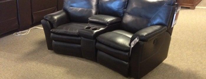 Havertys Furniture is one of Posti che sono piaciuti a Robyn.